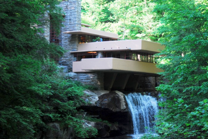 Falling Water_ Frank LLoyd Wright_Creative Commons